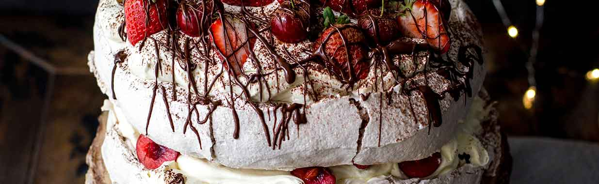 Christmas Chocolate Pavlova